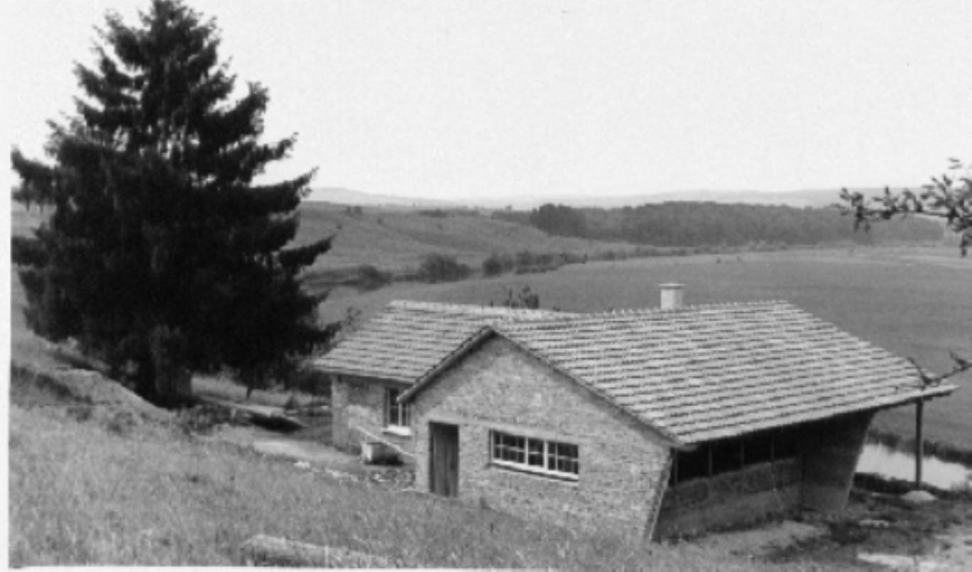 Schwarzweiß Bild des alten Schützenhauses ohne Pistolenstand