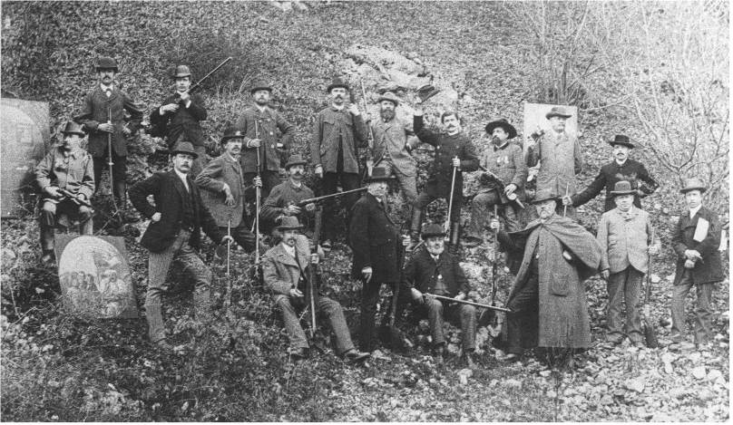 Archivbild einer Gruppe von Schützen, aufgenommen anlässlich eines Preisschießens am 29. September 1889.
