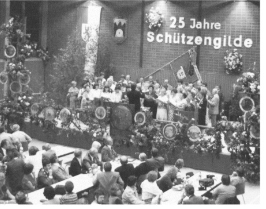 Schwarzweiß Bild der 25 Jahrfeier des Schützenverein Munderkingen